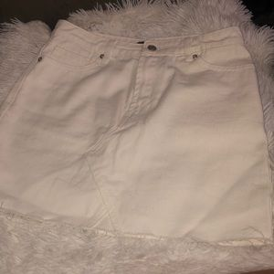 White denim raw cut skirt